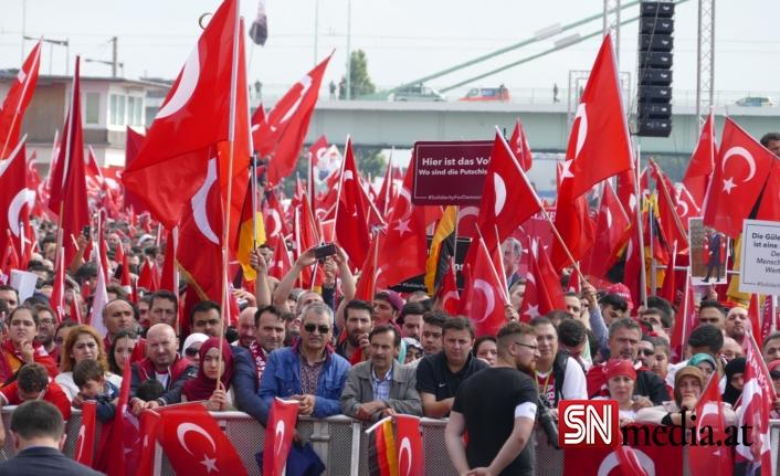 Avrupalı Türkler en çok Merkel, Erdoğan ve İmamoğlu'nu beğeniyor