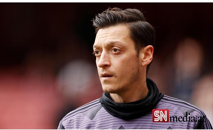 Chelsea ve Arsenal, Türk yıldızın peşinde! Mesut Özil, Fenerbahçe'ye transfer olur olmaz...