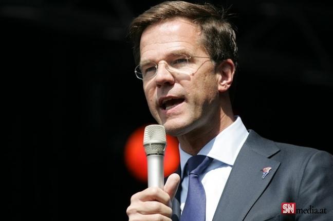 Hollanda hükümeti istifa etti