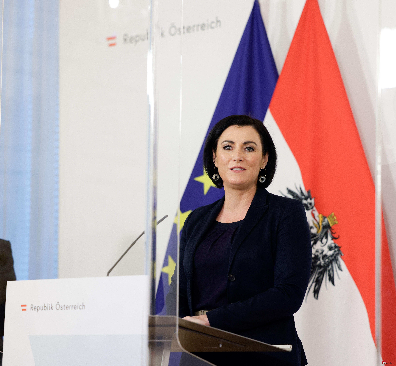 Avusturya Turizim Bakanı Köstinger karantinaya alındı