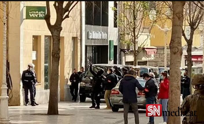 Fransa'da pencereden içinde kesik insan kafası bulunan kutu fırlatıldı