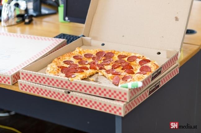 Avrupa'da garip rehine olayı: Pizza geldi, kriz bitti