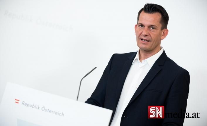 """Avusturya sağlık bakanı """"küçük bir dördüncü dalga"""" bekliyor"""