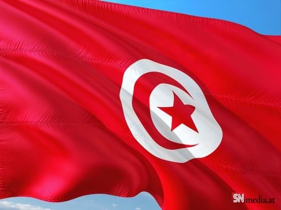 Tunus'ta darbe girişimi! Cumhurbaşkanı Said ordu desteğiyle yönetime el koyduğunu duyurdu