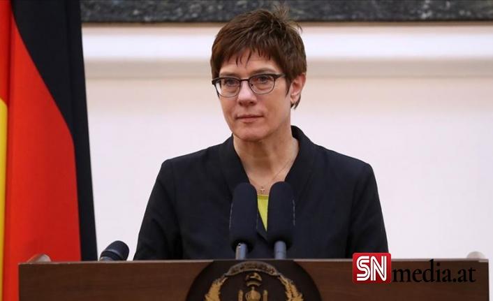 Almanya, askeri birliklerinin Afganistan'a dönmesi çağrısını reddetti