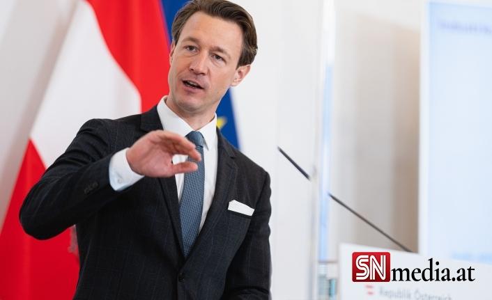 Avusturya'nın doğu bölgesi sınırlarında 'sosyal yardım' kontrolleri yapılıyor
