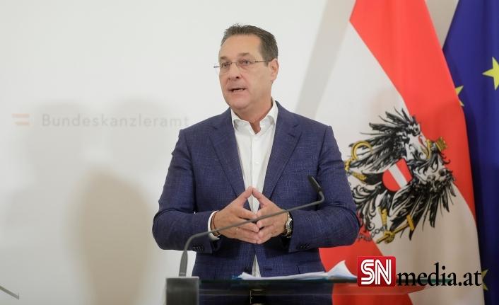 Avusturya'nın eski Başbakan Yardımcısı Strache yolsuzluktan mahkum oldu