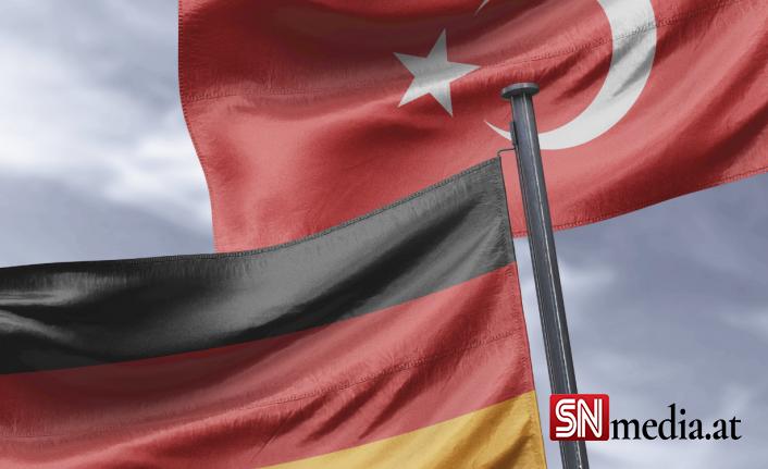 Alman siyasetinde sadece yüzde 2 ile temsil edilen Türklerin oy tercihi ne olacak?