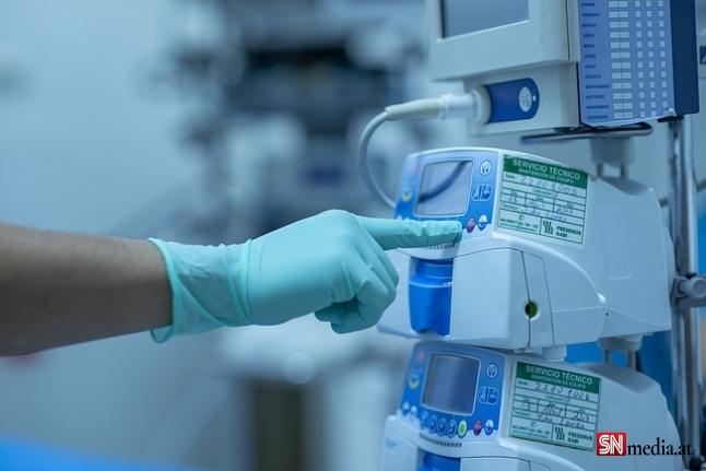 Viyana'da ameliyatlar ertelenmeye başladı