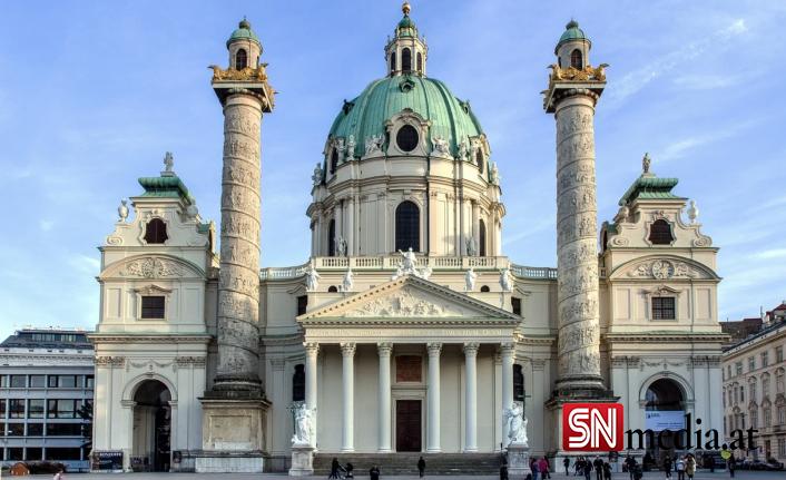 Viyana'da Karlsplatz'da korona tedbirlerine karşı gösteri düzenlendi