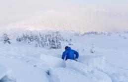 Avusturya'da kar Yağışı binlerce evi elektriksiz...