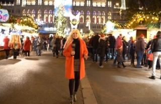 Viyana'da Noel Pazarları Işıklandırması...