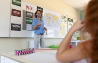 Avusturya'da okullarda maske gereksinimi anayasa...