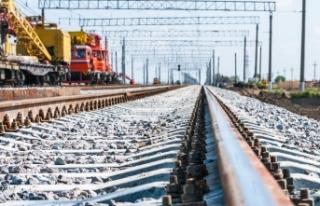 Avusturya'da feci kaza: Tren çarpan adam hayatını...