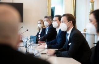 Avusturya: Hükümet pazartesi günü beklenen kararı...