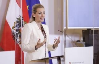 Avusturya'nın çalışma bakanı istifa etti