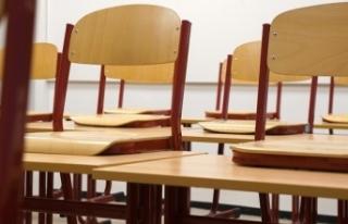Avusturya'da okullar yarı yıl tatiline kadar kapalı...