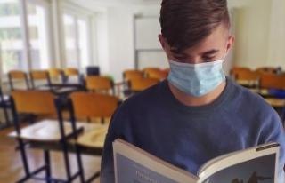 Avusturya Eğitim Bakanı Faßmann okullar için yeni...