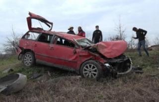 Avusturya plakalı araba Karasu'da kaza yaptı!...