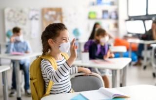 Viyana'da okullar açıldı, 32 öğrencide koronavirüs...