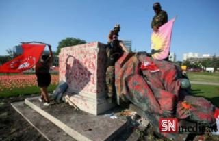 Kanada'da toplu çocuk mezarları protestoları:...