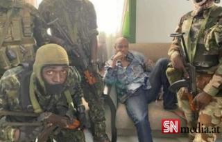 Gine'de askeri darbe: Devlet Başkanı Conde...