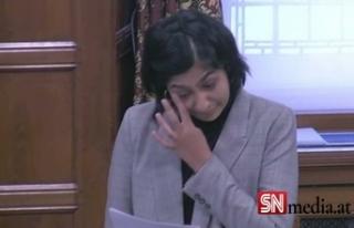 İngiliz Müslüman milletvekili gözyaşları içinde...