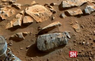 NASA: Mars'tan alınan iki örnek, Kızıl Gezegen'in...