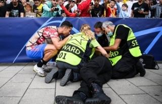 Ronaldo'nun şutu güvenlik görevlisini bayılttı