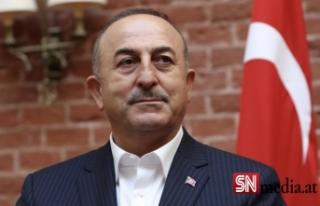 Dışişleri Bakanı Çavuşoğlu'ndan Fransa'ya...
