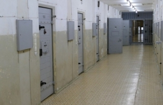 Hapishanede polisi rehin aldılar