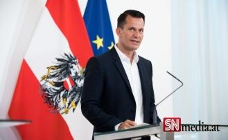 Avusturya Sağlık Bakanı Mückstein'den önemli açıklamalar