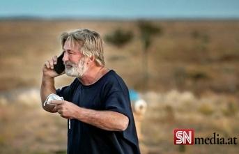 'Alec Baldwin'e silahı veren yönetmen yardımcısı silahta gerçek mermi olduğunu bilmiyordu'