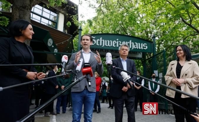 Avusturya Başbakanı Kurz korona inkarcıları tarafından yuhalandı