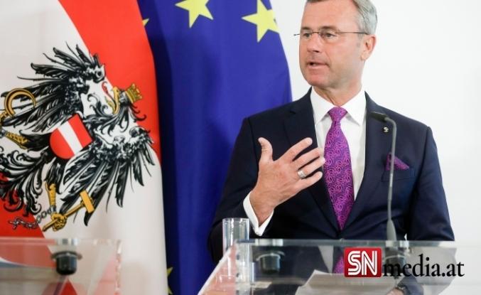 Avusturya'nın aşırı sağ partisi FPÖ'nün lideri istifa etti