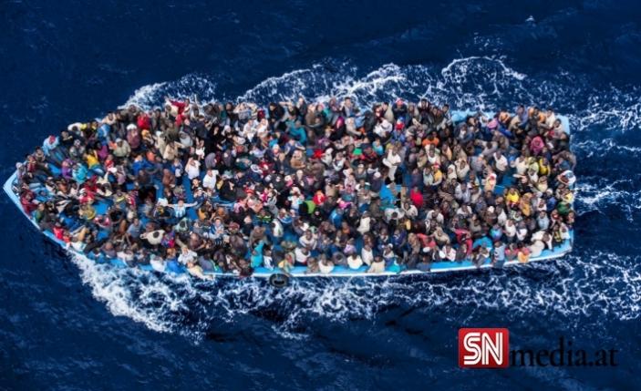 İtalya'da eski İçişleri Bakanı göçmenleri denizde mahsur bırakmaktan yargılanıyor