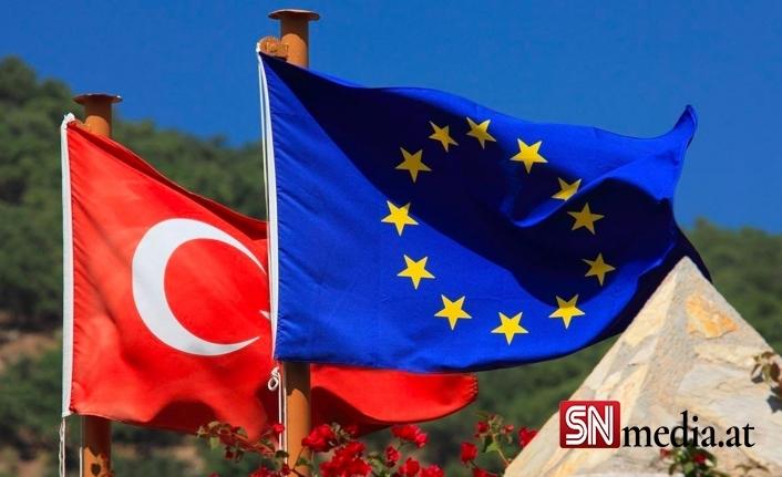 AB Türkiye'yle üç programa imza attı